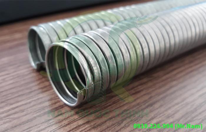 ống thép luồn dây điện mềm